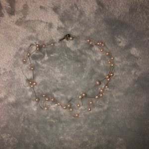 Jewelry - Pearl necklace choker